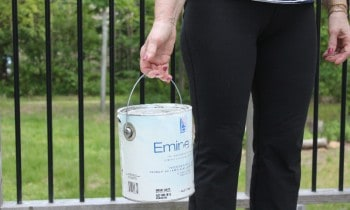 Can of paint weigh