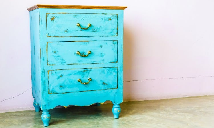 How to Remove Chalk Paint